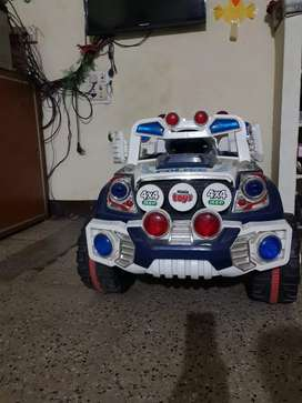 Double motor kids jeep for sale Rs 5000