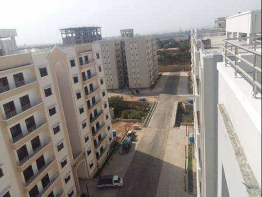 Prime location 3 Bed Apartment with Servant Room Available for Sale 0