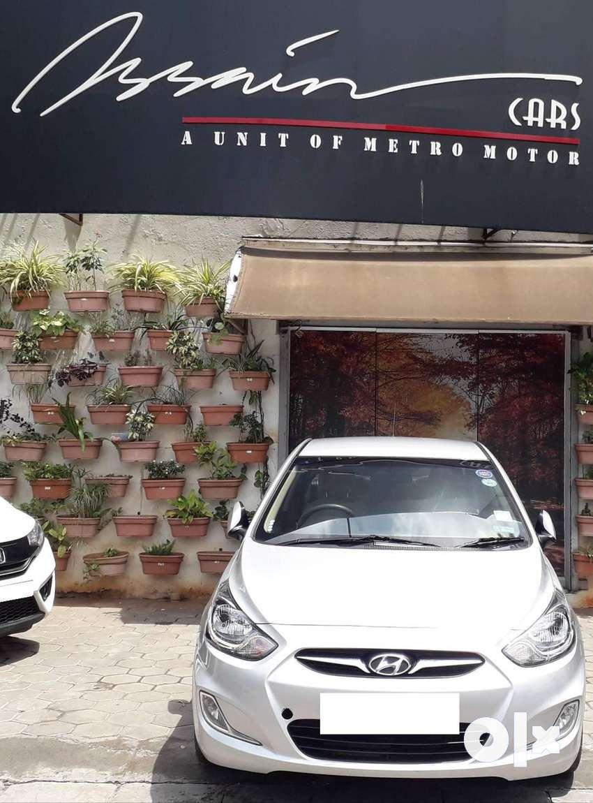 Hyundai Verna Fluidic 1.6 CRDi SX, 2011, Diesel 0