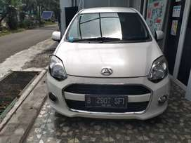 Daihatsu Ayla tipe tertinggi tipe x 2015