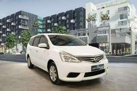 Nissan Grand Livina SV 1.5 putih