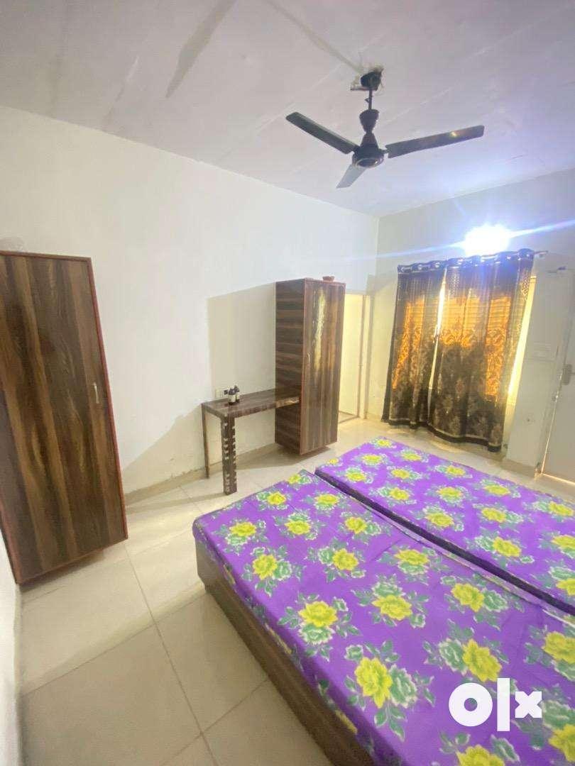 Pg room for boys near kapurthala chowk jalandhar