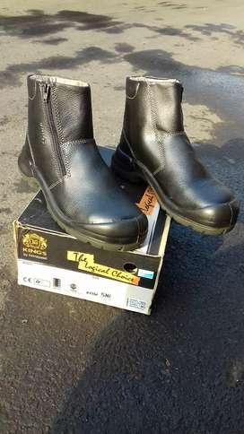 Sepatu safety king's original size 43 th 2019