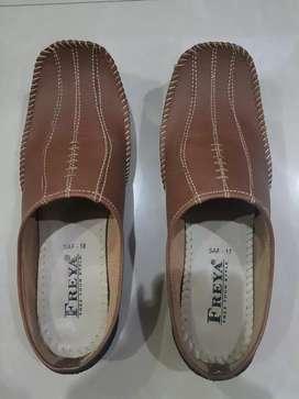 Sandal sepatu slop