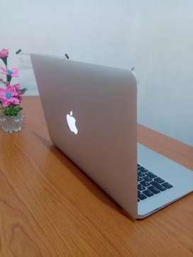 "Macbook Air 13"" 256gb Early 2017 Mulusss Like New"