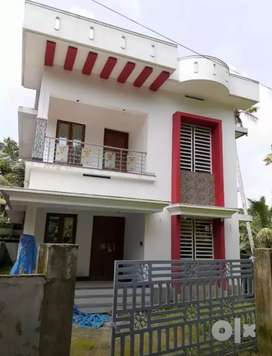 4 cent 1200 sqft 3.bhk new build  at paravur aluva road thattampady