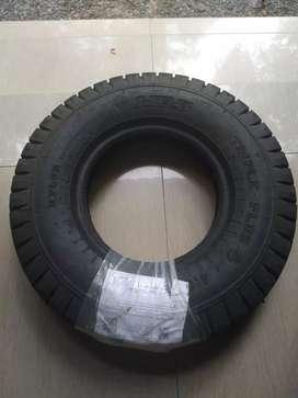 MRF 400-8 tyre