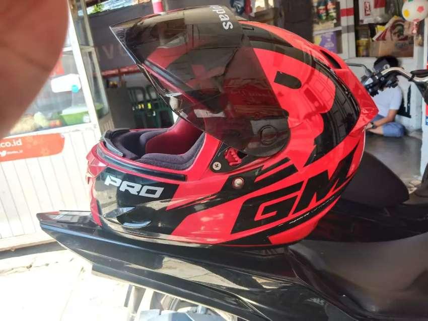 Helm GM fullface ukuran M 0