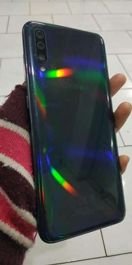 Samsung A70 Ram 6/128 Hp dan cas normal no minus