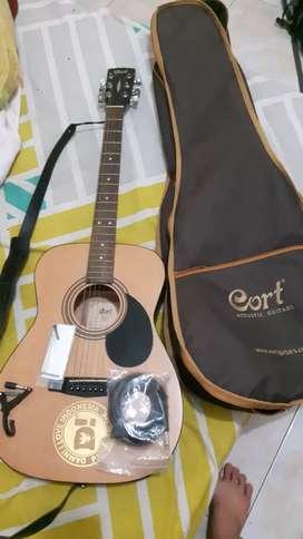 Di jual gitar akustik elektrik Cord AF510 OP