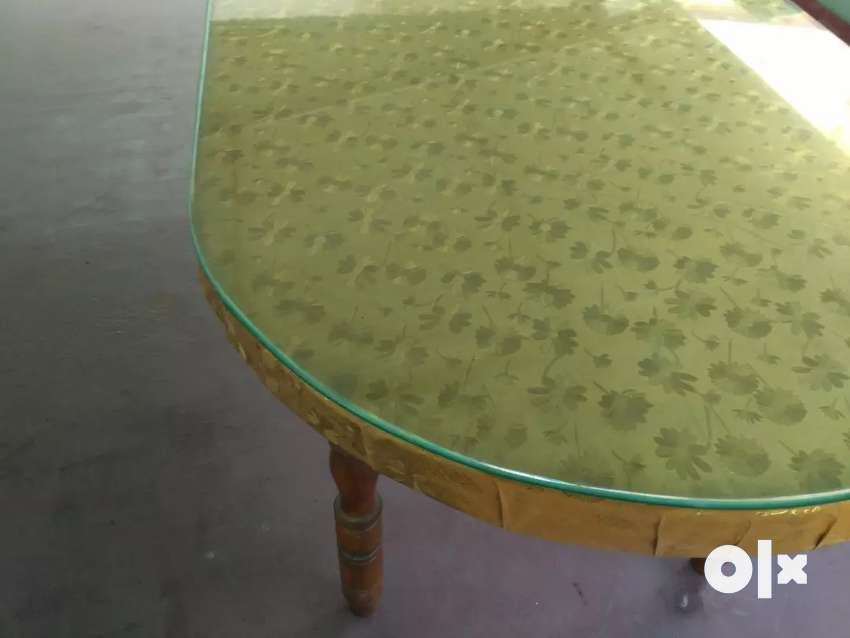 Dinning Table - glass top