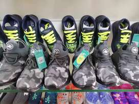 Kids footwear wholesale