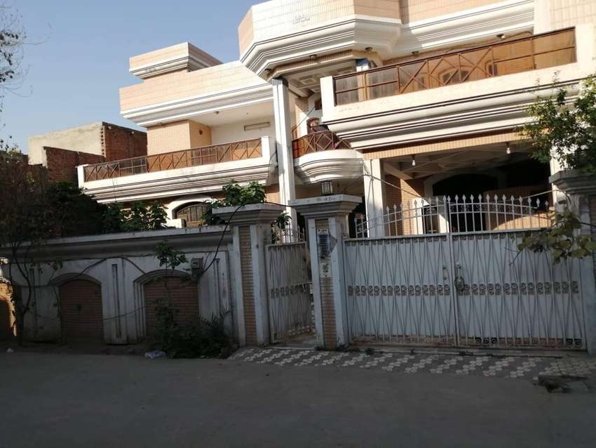 Double storey house for sale. @Muslim town 1 FSD 0