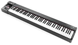 Roland A88 Midi Keyboard New Piece