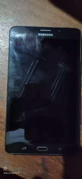 galaxy j max,4G LTE,1.5 GB ram,3 slots,4000 mAh, Bluetooth head phone
