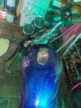 Suzuki Thunder warna biru