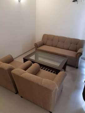 For rent 2bhk fully furnished in savitry greens vip road zirakpur