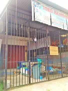 Disewakan Toko lokasi ramai di tepi jalan Raya Ampang padang