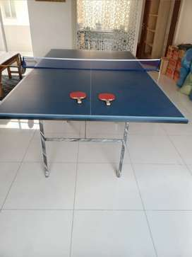 Slightly used table tennis table with rackets MDF quality