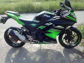 Kawasaki Ninja 250 tahun 2017 kondisi sehat & mulus pajak mati,plat on