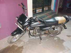 Very good condition ...Urgent sale deewali me bike lena h