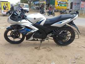 Yamaha r15 single seat white blue color