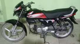 Hero hf deluxe 100 cc red black colour