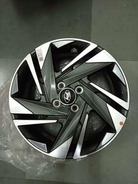 16 inches Verna fluidic i20 OEM diamond cut stock brand new alloys