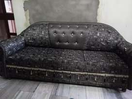Selling sofa in 12000 only