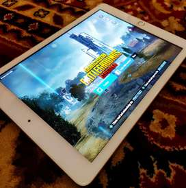 iPad 5th Gen 32gb Gold In Brand New Condition with Box and Accessories