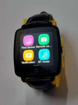 Smart Watch with inbuilt speaker and mic to talk - Smartwatch
