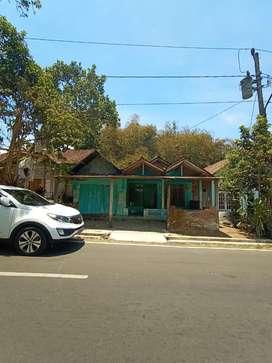 Tanah murah ada bangunan bekas tepi jalan raya