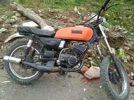 Yamaha rx 100..good condition. Rc expired