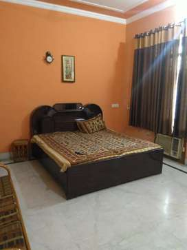 2bhk fully furnished house avilable for rent park face in sec 7
