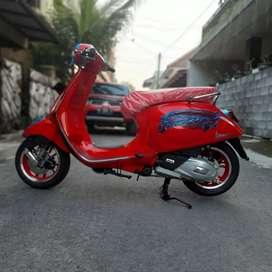 Vespa Primavera RED limited edition NEW