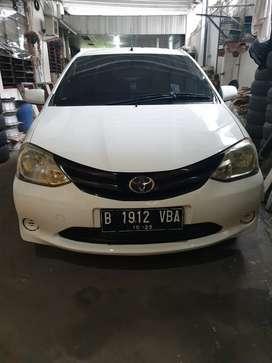 Toyota Etios Liva 1.5 G 2013
