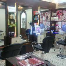 Furnished running Beauty Parlour for Sale in Thakurpukur
