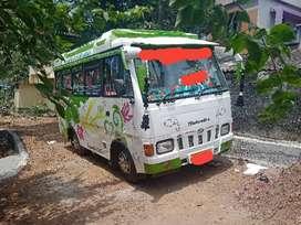 Mahindra tourister 10+1..