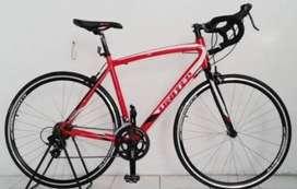 United Inertia 1.00 Roadbike sepeda balap