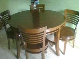 Meja makan bundar kursi 4 moderen, bahan kayu jati terbaik,