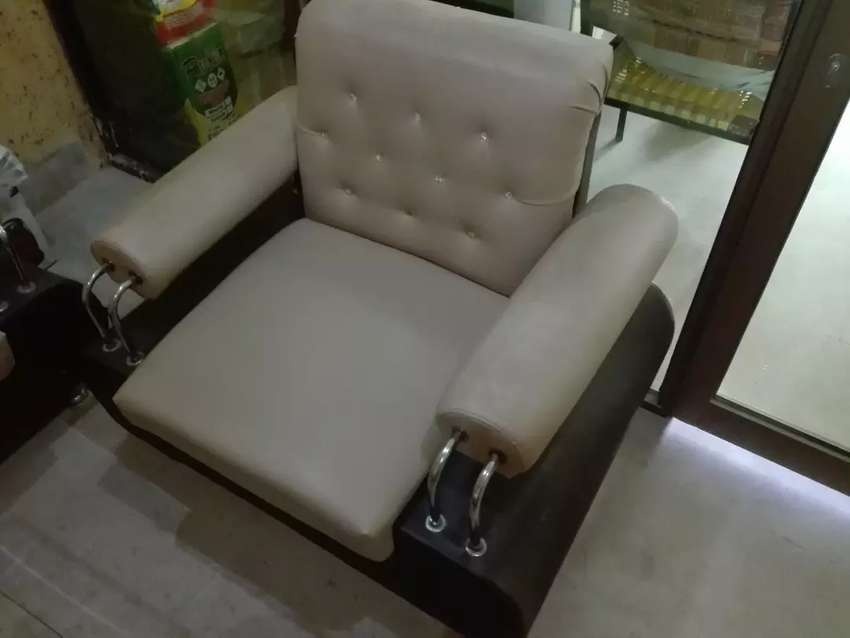 5 seater Sofa Set With Table 0