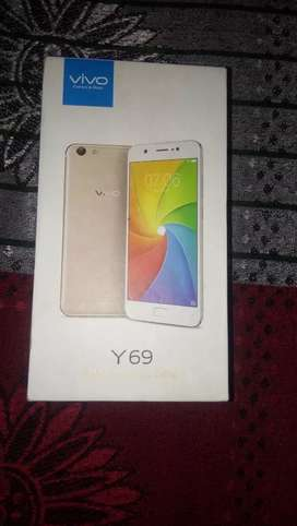Vivo y 69 very good condition rem 3 rom 32  bill box and charger