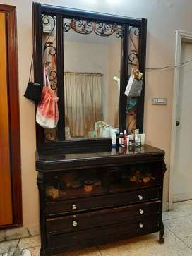 Dressing table and side tables for sale