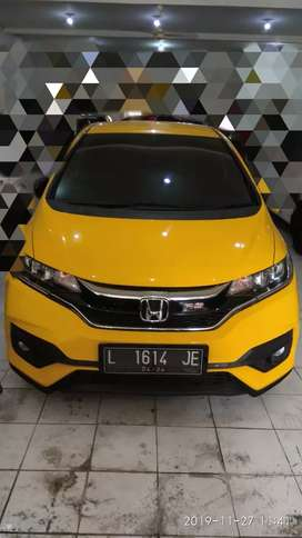 Honda Jazz RS matic 2019 (istimewa KM Low)