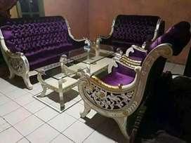 Pusatnya kursi jati
