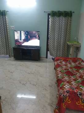 2 bhk flat I'm in one bed room one is empty so any 2 ladies or gents