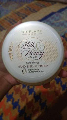 MILK & HONEY GOLD