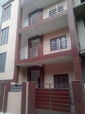 3 Bhk Builder's Floor, Ready to move, at Gangotri Vihar, Canal Road.