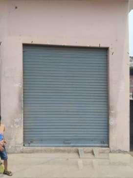 एक दुकान दो कमरे nikat Bisauli bus stand main road