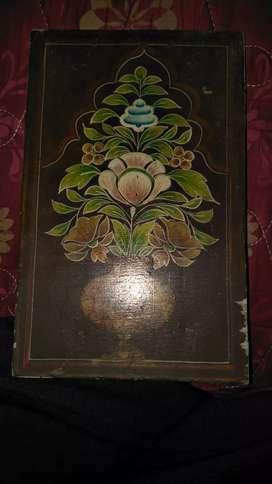 हाथ से बनी हुई पुरानी पेंटिंग